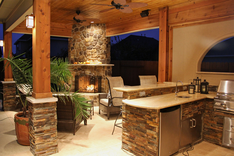 Outdoor Kitchen  - Tips for Designing the Best Outdoor Kitchen