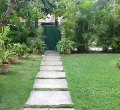 Walking On Sunshine   8 DIY Garden Path Ideas